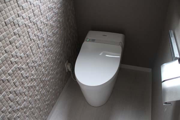 裏面トイレ